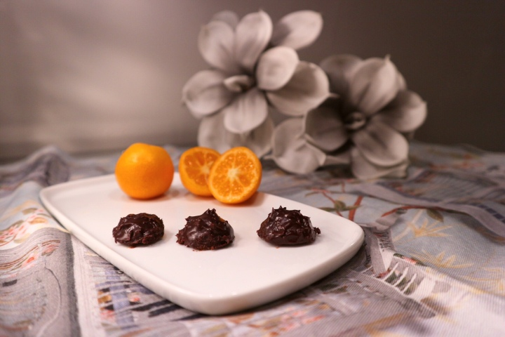 Bombones de chocolate negro y Kumquat